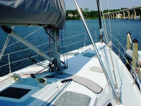 Photo of Hunter 460 sailboat
