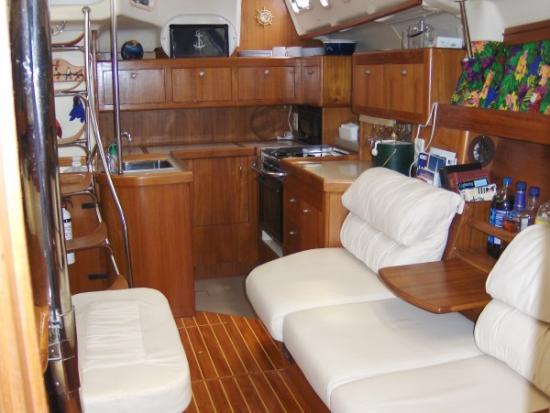 Photo of Hunter 450 sailboat