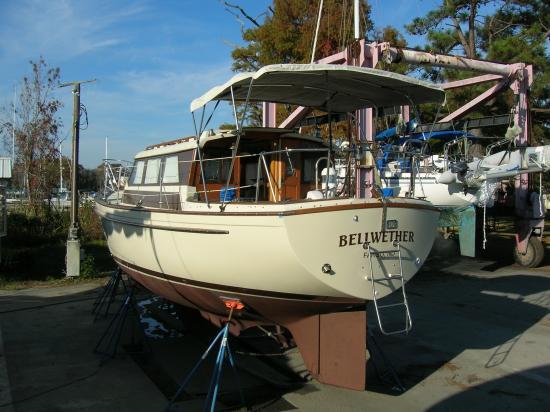 Photo of Pearson 36 sailboat