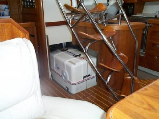 Photo of Hunter 45CC sailboat