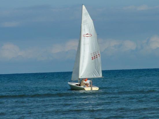 Photo of Chrysler Mutineer 15 sailboat