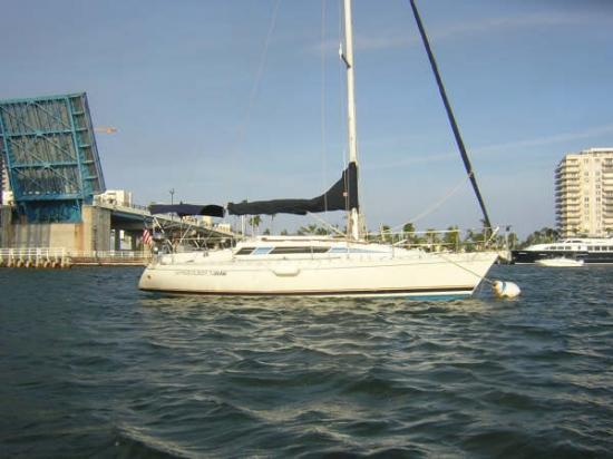 Photo of Beneteau 305 sailboat