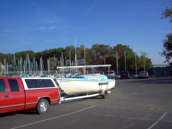 Photo of MacGregor Venture 222 sailboat