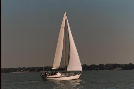 Photo of Hunter 27_75-84 sailboat