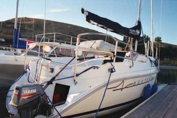 Photo of Hunter 240 sailboat