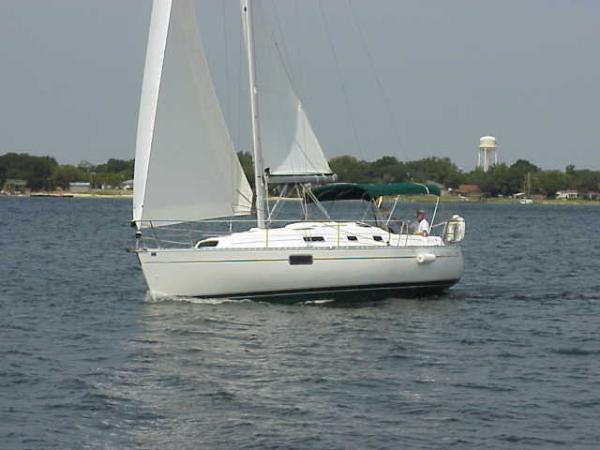 Photo of Beneteau 321 sailboat