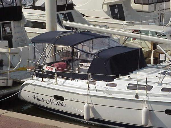 Photo of Hunter 356 sailboat