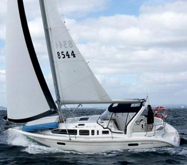 Photo of Hunter 340 sailboat