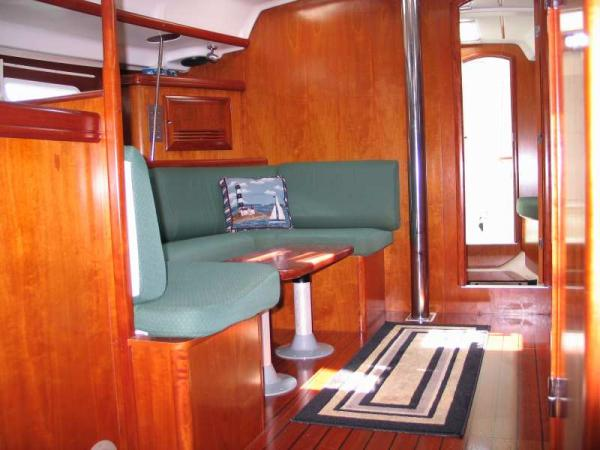 Photo of Beneteau 393 sailboat