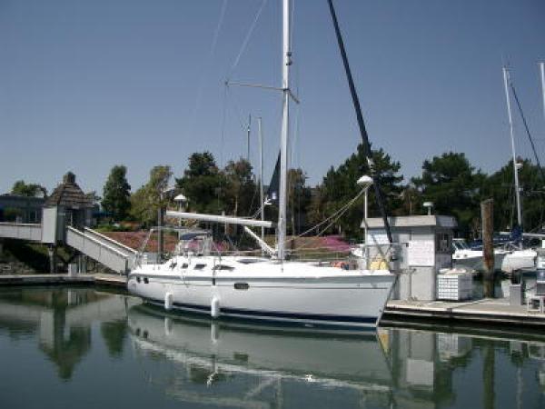 Photo of Hunter 386 sailboat