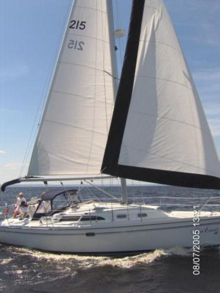 Photo of Catalina 350 sailboat