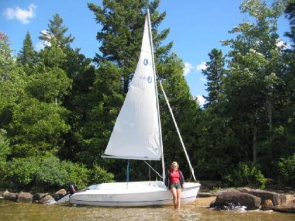 Photo of Hunter 146 sailboat