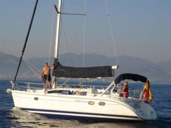 Photo of Hunter 376 sailboat
