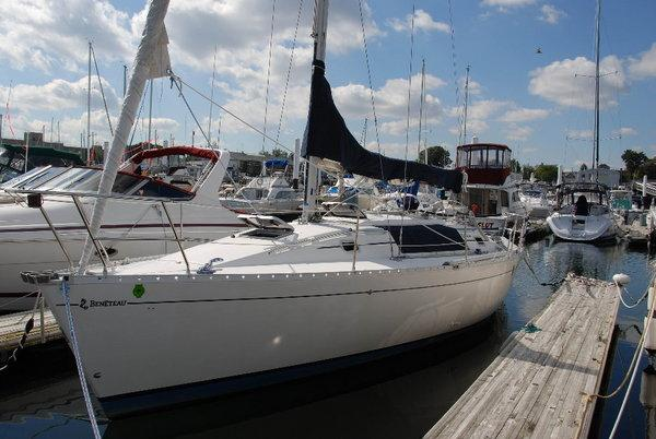 Photo of Beneteau 35s5 sailboat