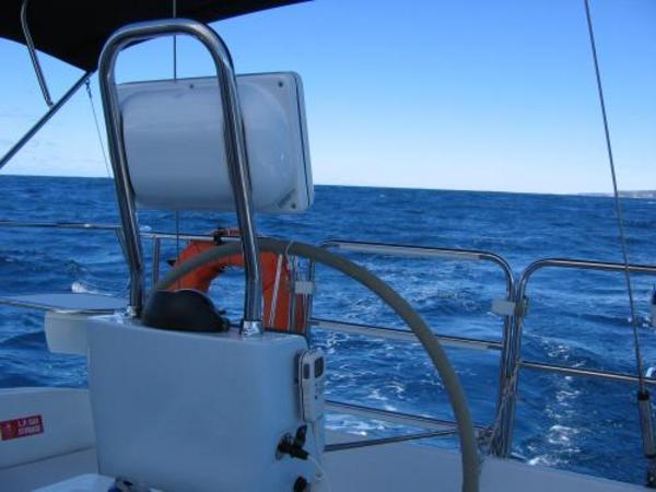 Photo of Catalina 350 sailboat
