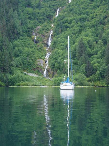 Photo of Hunter 37-cutter sailboat
