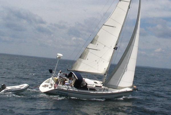 Photo of Hunter 35.5 sailboat