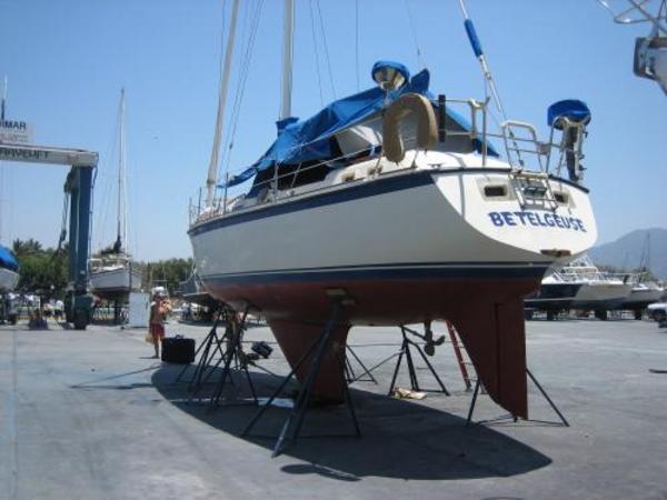 Photo of Oday 37 sailboat