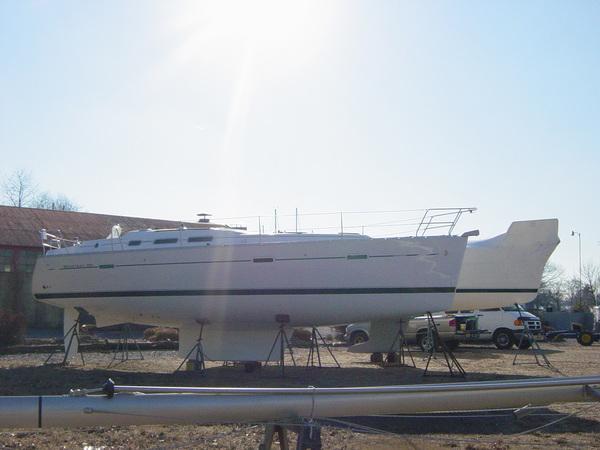 Photo of Beneteau 373 sailboat