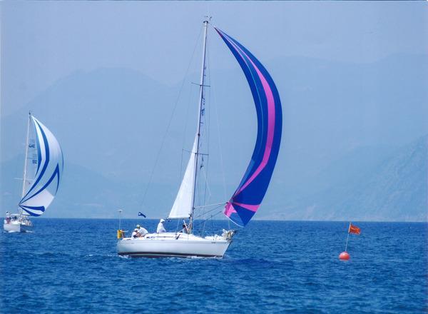 Photo of Beneteau 325 sailboat