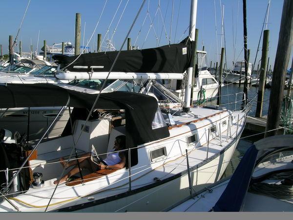 Photo of Hunter 33_77-83 sailboat