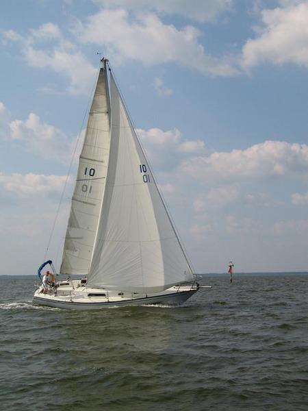 Photo of Pearson 32 sailboat