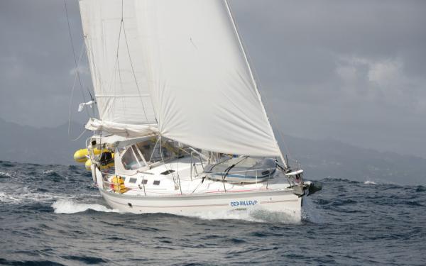 Photo of Hunter 43 sailboat