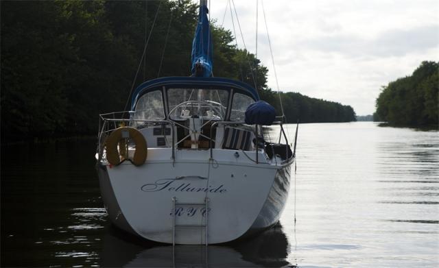 Photo of Hunter 31 sailboat