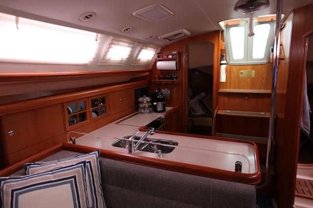 Photo of Hunter 38 sailboat